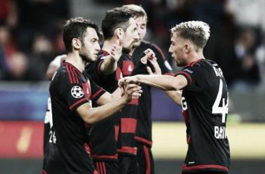 El Leverkusen golea y se olvida de la Bundesliga