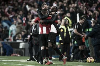Garitano, Williams y Muniain celebran el triunfo ante el Betis. (Foto: Athletic).