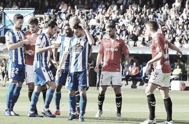 Los jugadores del Deportivo en un córner a favor durante el encuentro de esta tarde. || Fotografia: Deportivo.