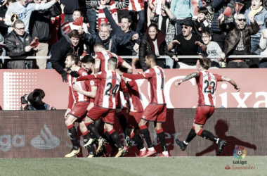 Los jugadores del Girona celebran el gol de Stuani. | Foto: LFP.