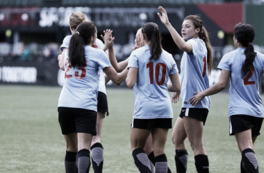 The Chicago Red Stars celebrate Christen Press' penalty goal in their last match | Source: Jenny Chuang - VAVEL USA