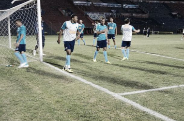 Cruzeiro enfrenta o Cerro Porteño no Paraguai, pela classificação