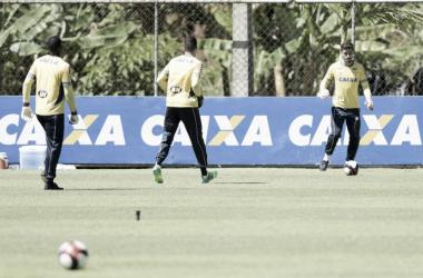 Rafael foi o único titular a treinar em campo neste domingo (2) (Foto: Washington Alves/Cruzeiro)