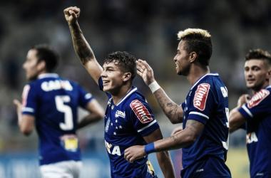 Cruzeiro vence Uberlândia com facilidade e volta a assumir liderança do Mineiro