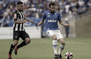Cabral celebrou vitória em clássico, mas muda foco para a Copa Sul-Americana (Foto: Washington Alves/Cruzeiro)