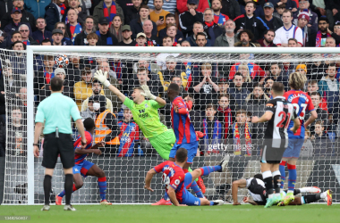 <div>LONDON, ENGLAND - OCTOBER 23: Vicente Guaita of Crystal Palace fails to save the Newcastle United first goal scored by Callum Wilson during the Premier League match between Crystal Palace and Newcastle United at Selhurst Park on October 23, 2021 in London, England. (Photo by Julian Finney/Getty Images)</div>