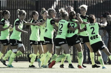 Canberra United's players celebrate their late winner (Source: w-league.com.au)