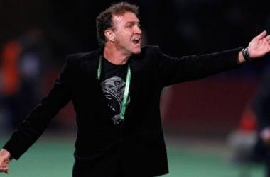 Após derrota surpreendente, Kalil confirma saída de Cuca do Atlético-MG
