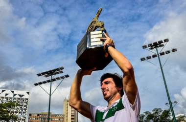 Pablo Cuevas hoists the title trophy in Sao Paulo/Photo: Brasil Open