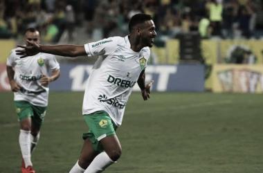 Cuiabá bate São Bento e consegue segunda vitória em casa na Série B
