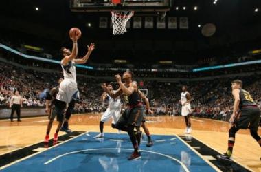 Resumen NBA: Griffin y Harden no levantan a sus respectivos equipos