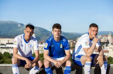 Tejera, Jimmy y Bolaño presentan las equipaciones | Imagen: Real Oviedo