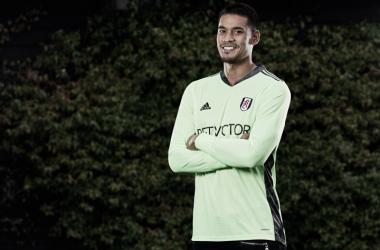 Bonsoir! Fulham oficializa contratação do goleiro francês Alphonse Areola