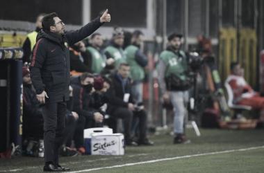 """Di Francesco: """"El club decide sobre Dzeko, pero mientras este aquí, juega"""""""