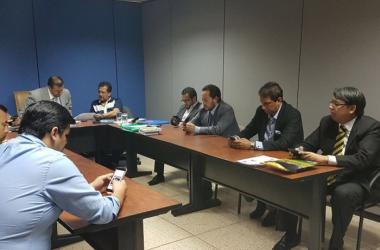 Directivos de Barcelona S.C al momento de la reunión con la Comisión de Disciplina respecto al caso de Ariel Nahuelpán. Foto: Barcelona S.C