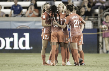 Daly is congratulated by her teammates after scoring in the 3-1 win over Orlando. | Photo: isiphotos.com