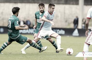 Dani Molina en un lance del juego en el aprtido disputado en O Vao, ante el Coruxo, esta temporada. | Foto: RC Celta