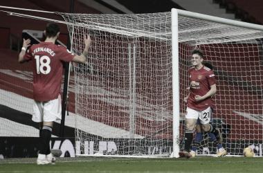 Manchester United aplica goleada histórica no Southampton e divide topo da Premier League com City