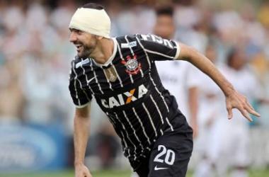 Em ascensão, Corinthians tenta afundar Santos e se manter invicto em clássicos este ano