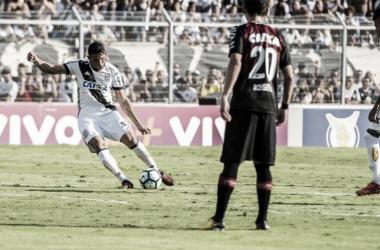 Danilo marca gol de falta e abre o placar (Foto: Divulgação / Ponte Preta)