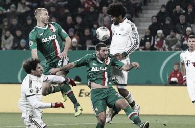 Un Bayern sin brillo elimina al Augsburgo