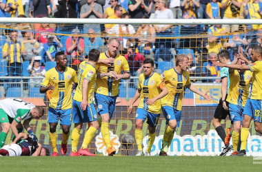 Braunschweig celebrating their equaliser. | Photo: Bundesliga.