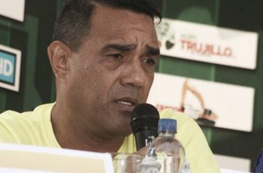 Darío Martínez en rueda de prensa. FOTO: Prensa de Trujillanos FC.