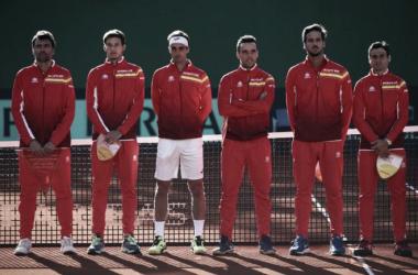 El equipo español de Copa Davis, capitaneado por Sergi Bruguera, en la eliminatoria en Marbella. Foto: zimbio