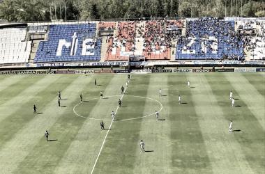 El estadio Malvinas Argentina en plena disputa del partido de hoy. Foto: PRENSA TEMPERLEY