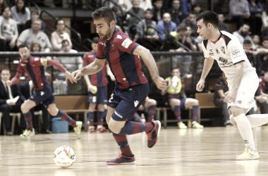 Santiago Futsal sale vivo a la espera de lo que haga O Parrulo