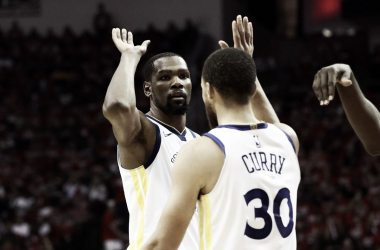 Kevin Durant e Steph Curry. Fonte: NBA/Twitter