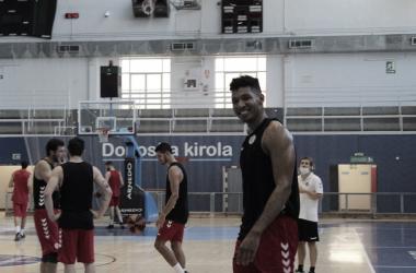 Jaime Echenique se incorpora a la dinámica de Delteco Gipuzkoa Basket