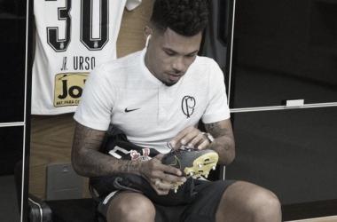 Com lesão na coxa, Junior Urso desfalca Corinthians contra Chapecoense