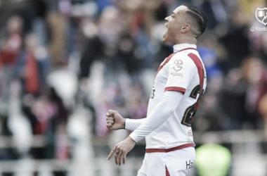 Raúl de Tomás celebrando un gol. Foto: Rayo Vallecano S.A.D.