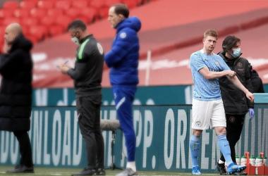Kevin De Bruyne abandonó el verde tras su lesión. Vía: Mancity.com