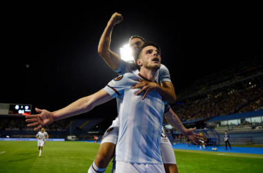 ZAGREB, CROATIA - SEPTEMBER 16: Declan Rice of West Ham United celebrates with Manuel Lanzini after scoring their side's second goal during the UEFA Europa League group H match between Dinamo Zagreb and West Ham United at Maksimir Stadium on September 16, 2021 in Zagreb, Croatia. (Photo by Jurij Kodrun/Getty Images)
