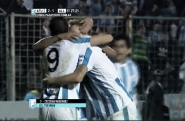Menéndez celebra el segundo gol junto a sus compañeros. (Captura de pantalla)