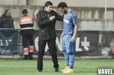 Pablo Franco durante un partido del filial junto a Ivi López (Foto: Beatriz Cobos, VAVEL)