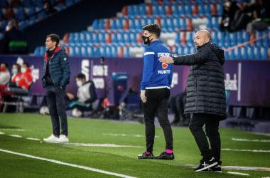 Paco López durante el partido. Foto: Levante UD