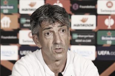 Imanol Alguacil en la rueda de prensa previa al partido frente al PSV. // Foto: Real Sociedad