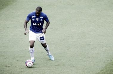 Dedé fez trabalho interno por desequilíbrio muscular na perna direita (Foto: Washington Alves/Light Press)