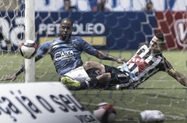 Último gol de Dedé com a camisa celeste foi em novembro de 2014 (Foto: Washington Alves/Cruzeiro)