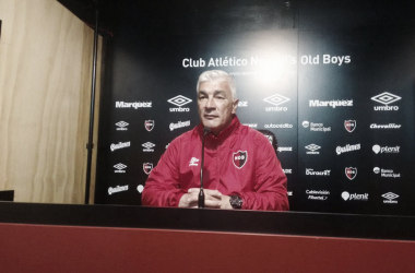Omar De Felippe durante la conferencia de prensa. Foto: Prensa CANOB.