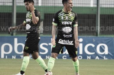 Con un grito de furia Defensa y Justicia festeja el gol para vencer a Talleres. Foto: Diario Clarín.