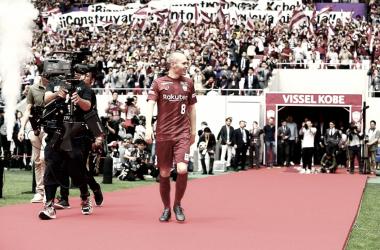 Iniesta, ídolo en su presentación como nuevo jugador del Vissel Kobe