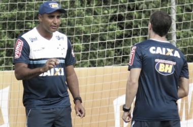 Deivid comanda treino técnico, mas não sinaliza equipe que enfrenta o Villa Nova-MG