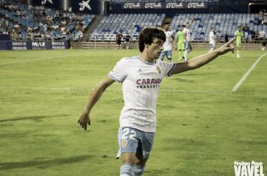 Julián Delmás, que todavía no ha contado con minutos en liga, durante el Trofeo Carlos Lapetra / FOTO: Andrea Royo, VAVEL