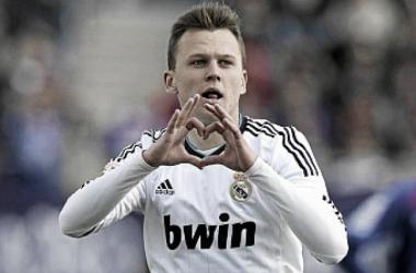 El Real Madrid renueva al canterano Denis Cheryshev