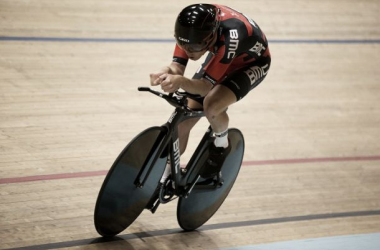 Dennis is the first man to break the 52-kilometre mark. (Image: cyclingfans.co.uk)