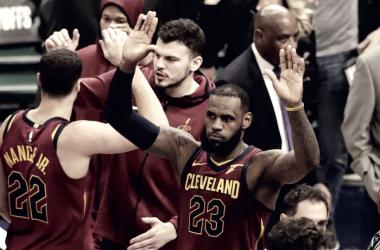 Cleveland venció a Indiana con otra gran actuación de LeBron James.   Foto: El Nuevo Heraldo